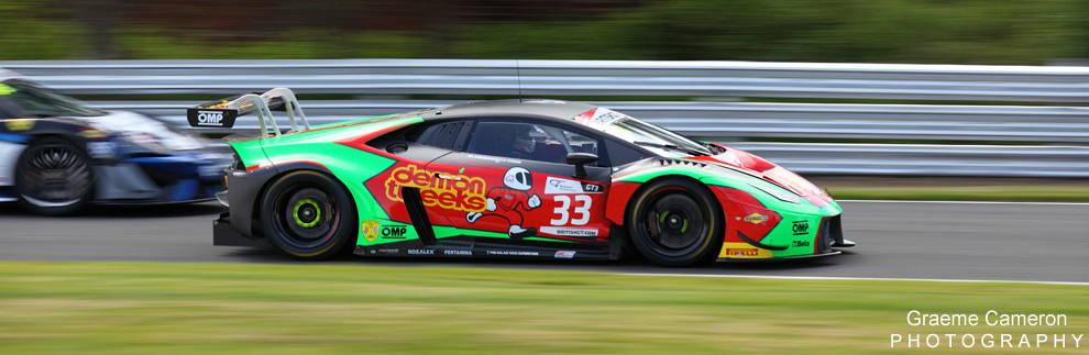 Barwell Motorsport 33 racing car